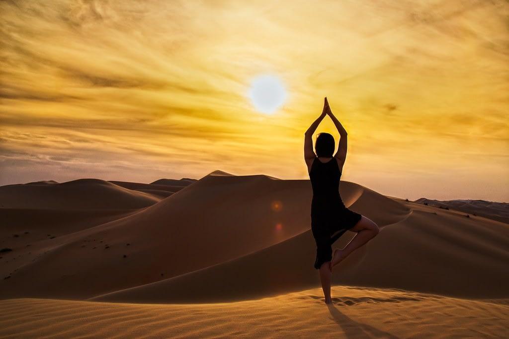 Yoga No Deserto do Saara